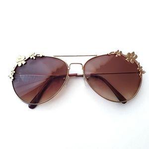 Flower Detail Frame•Gold•Brown Lenses•Sunglasses